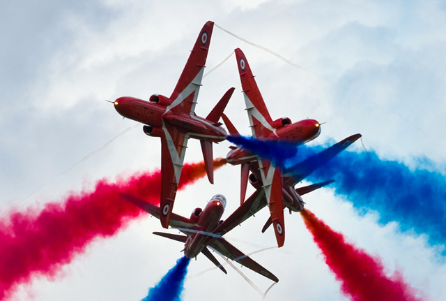 Aerobatic-red-arrows